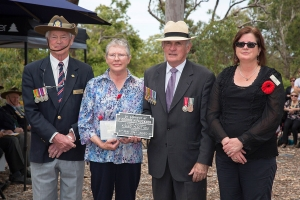 Sue Armstrong and Richard Baird accepting the plaque as the niece and nephew of Lieutenant George H. Fauckner. Photo: D. Nicolson.