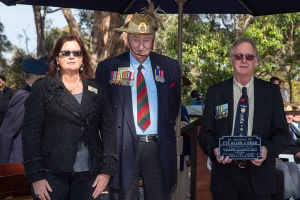 Allan Head accepting the plaque as the son of Private Allen James Head. Photo: D. Nicolson.