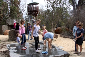 Kids playing and learning at Rio Tinto Naturescape Kings Park. Photo: D. Blumer.